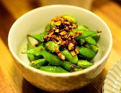 スパイスロースト枝豆 ¥500  Spice roasted Edamame.