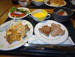 フォレストヴィラの夕食です。