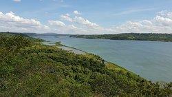 Vista su Parana e sulla sponda paraguaya a est
