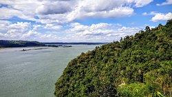 Vista su Parana e sulla sponda paraguaya a ovest