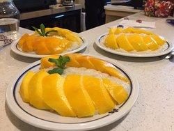 Mangue et son riz chez Rachiny