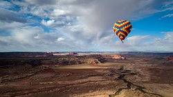 ‪Canyonlands Ballooning‬