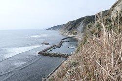 行川アイランドの少し先にある約4kmの崖の通称です。