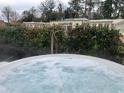 Club Hot Tub Room