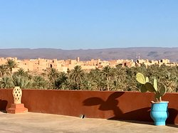 Wonderful peaceful place with a superb panorama. Kasbah Ennakhile was one of the first Kasbah-Hotel in N'Kob and Houcine a very inspiring and educated man. He has done very much to keep the culture of N'Kob alive. Very much recommended.
