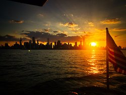 Silhouette views of Chicago and the setting sun!