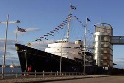 Королевская яхта Britannia