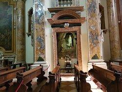 Uno de los altares