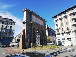 Arco di Porta Romana