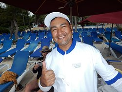 Guillermo was a great communicator and was always there with our drinks when needed on the beach