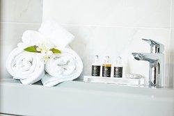 Bathroom amenites
