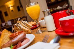 We serve Breakfast everyday to Residents & Non-Residents 8:00am - 9:30am.