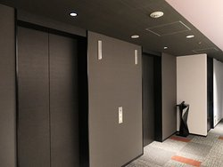客室階エレベーターホール