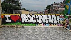 "Favela "" Rocinha "" (2)."