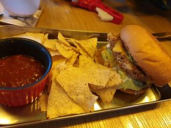 hi protin漢堡(裡面有花生醬,很特別)