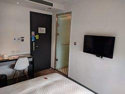 Standard double room.
