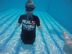 Maddie free diving in a great looking dive shirt lol