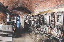 KARL Bar