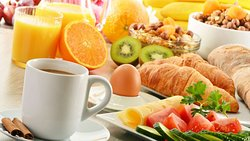 MH ClatskanieRiverInn Clatskanie OR Property BreakfastArea