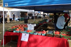 ‪Lincoln City Farmers Market‬