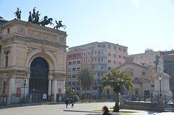 Monumento a Ruggero Settimo