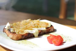 toast with onion and cheese