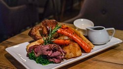 Sunday roast dinners for £10