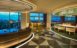 E WOW Suite - Dining Room