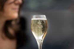 Champagne Roger-Constant Lemaire