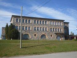 L'école St-Viateur, la première école centrale au Québec. Construit en 1946.
