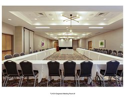 2600 square feet of banquet space to accommodate all types of functions!