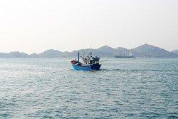 Ship on the way to Binh Ba island