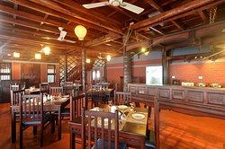 The Bait & Hook: Seaside Restaurant