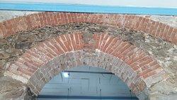 Detalhes do cunhal dos arcos do primeiro pavimento