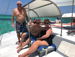 Octopus Aruba Private Sailing - We will make sure your day is unforgettable. We can arrange a relaxing Caribbean cruise or help you set up a party for your companions. Whether you're hosting a special occasion, celebrating an important milestone in your life, bidding someone farewell, or simply spending holiday with people close to you, our captain and friendly crew are dedicated to giving you an unforgettable sailing experience.