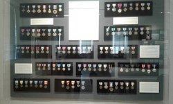 Medal pyramid