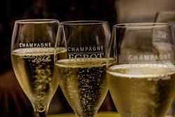 Egrot et filles champagne