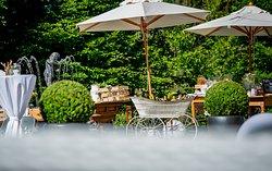 Schweizerhof  Flims Waldhaus Garden Aperitiv Summer