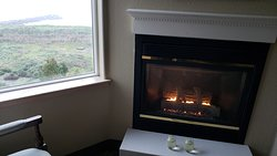 Wine, fireplace, and an amazing view!!
