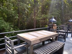 Rhododendron has an outdoor dining table
