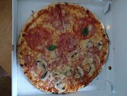 Överraskande bra pizza och fantastisk service