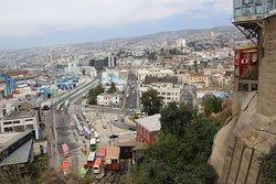 Ascensor Artilleria - View on the ride up - Valparaiso, Chile