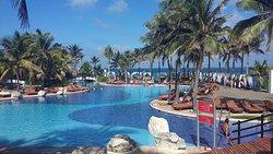 Una de las tantas piscinas