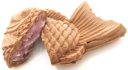 Sakura Taiyaki Spring edition Taiyaki filled with a paste made of Sakura leaves and white bean mixed. Our Sakura Taiyaki known for it's sweet authentic taste and also fragrantly pretty. It is recommended to have it with Hot Matcha for better relaxing moments.