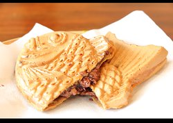Chocolate Taiyaki Crispy outer and soft inner texture of our Taiyaki along with tempting Chocolate fills is what makes our Chocolate Taiyaki as a nice choice for dessert or coffee time. First bite will taste good and second bite will give you a good time. Make sure you have it while it still hot along with hot Matcha Latte for better experience.