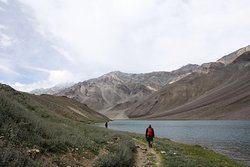 Trip to Chandratal, Spiti, Himachal Prdesh, Aug 2014. We started the hike from Kunzum Pass along the ridge and down to the lake. We took one round of the lake and headed to the camp site situated about 1.4 km from the lake.