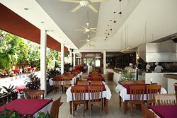 Authentic Thai Cuisine and International food at Khun Geo Restaurant at Patong Palace Hotel