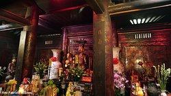 L'interno del primo tempio