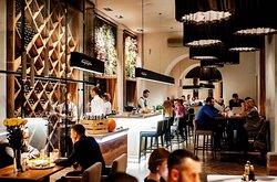 В ресторане Березка гостей всегда ждет дружеская атмосфера и теплый прием!