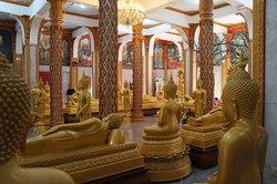 Wat Chalong interior